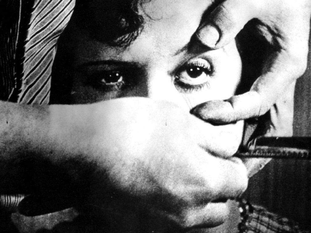 Un Chien Andalou — Eyeball Scene